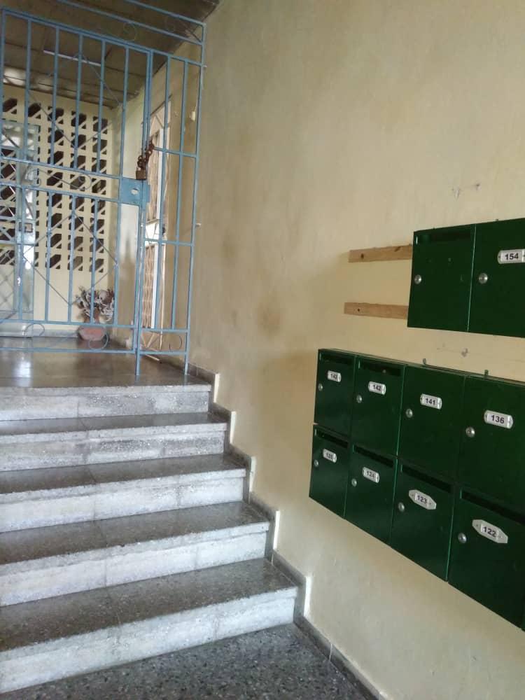 HEC1350: Apartamento de 3 cuartos y 1 baño por $ 40.000 en Centro Habana, La Habana