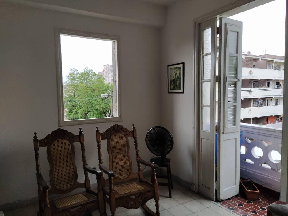 HEC1356: Apartamento de 3 cuartos y 1 baño por $ 65.000 en Plaza de la Revolución, La Habana