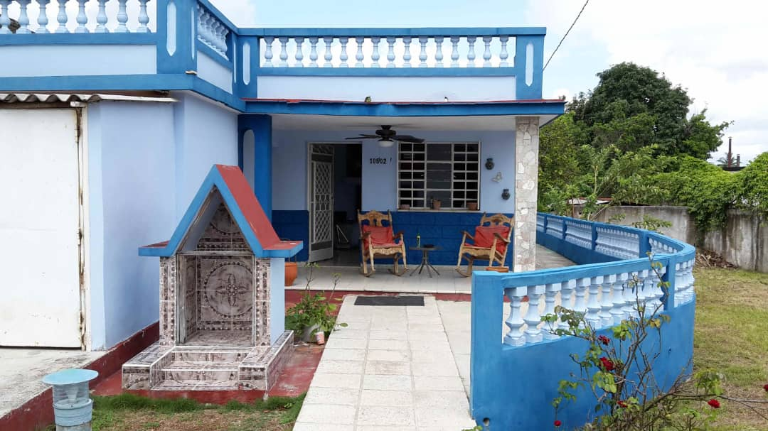 HEC1364: Casa de 3 cuartos y 2 baños por $ 110.000 en Cotorro, La Habana