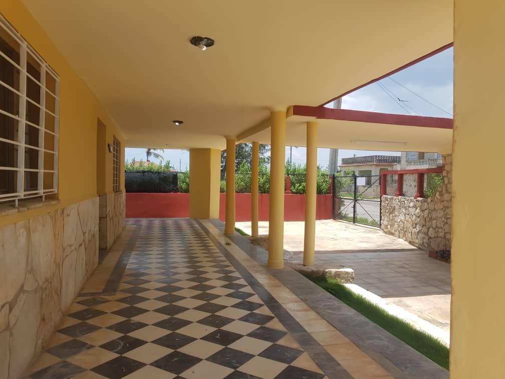HEC1366: Casa de 5 cuartos, 6 baños y 1 garaje por $ Ajustable en Playa, La Habana