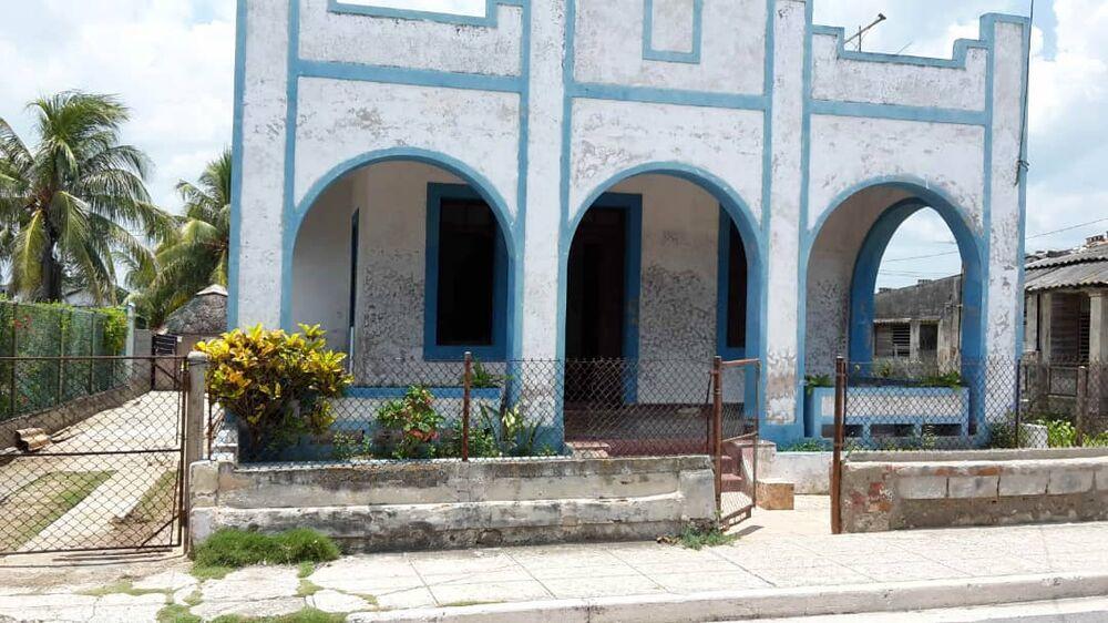 HEC1376: Casa de 4 cuartos y 2 baños por $ 190.000 en Playa, La Habana