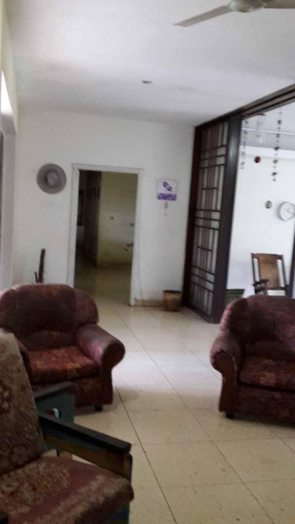 HEC1392: Casa de 6 cuartos, 4 baños y 1 garaje por $ 500.000 en Playa, La Habana