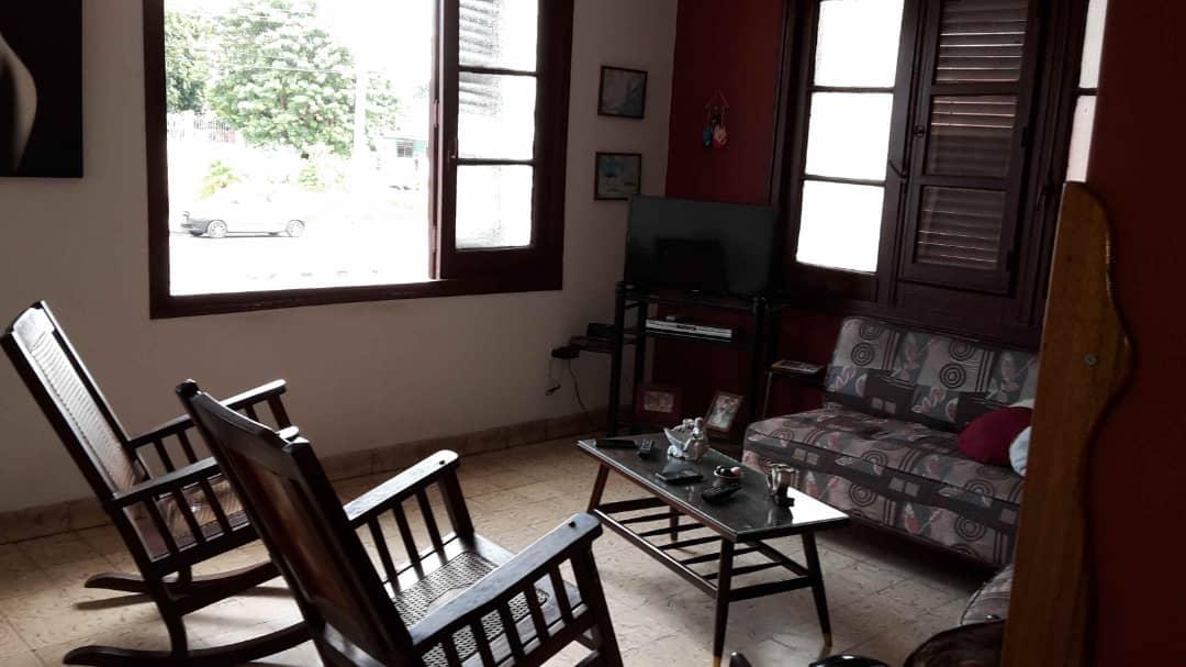 HEC1397: Apartamento de 3 cuartos, 3 baños y 1 garaje por $ 180.000 en Plaza de la Revolución, La Habana