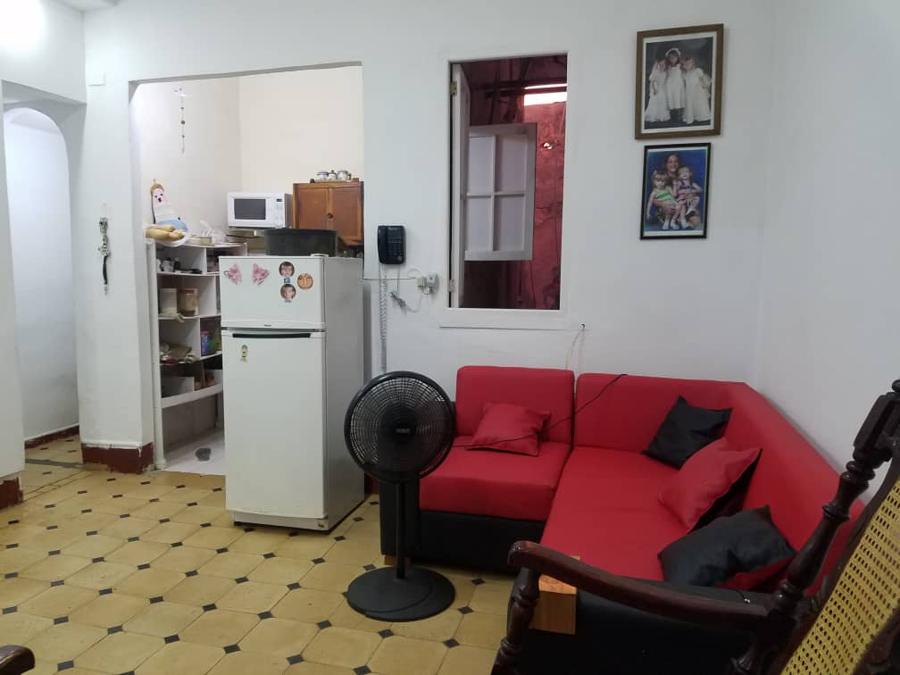 HEC1407: Apartamento de 2 cuartos, 1 baño y 1 garaje por $ 50.000 en Plaza de la Revolución, La Habana