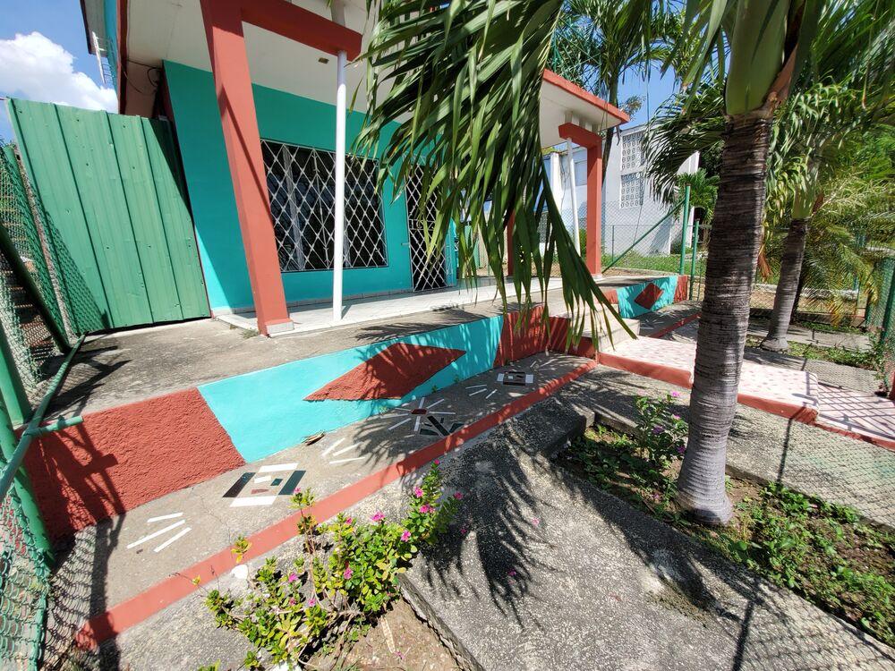 HEC1415: Casa de 3 cuartos, 2 baños y 1 garaje por $ 60.000 en Cienfuegos, Cienfuegos