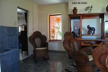 HEC1427: Casa de  3 cuartos y 4 baños por $ 150.000 en Playa, La Habana