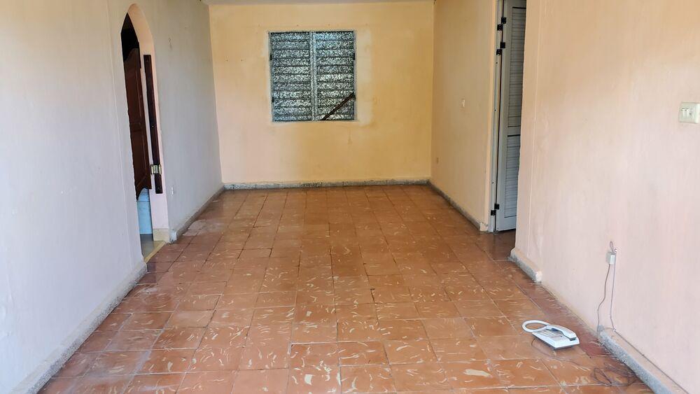 HEC1484: Apartamento de 2 cuartos y 1 baño por $ 15.000 en Cienfuegos, Cienfuegos