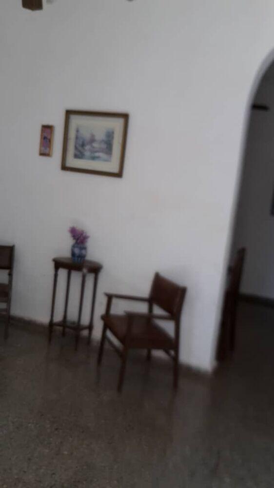 HEC1489: Casa de 3 cuartos, 2 baños y 1 garaje por $ 100.000 en Playa, La Habana