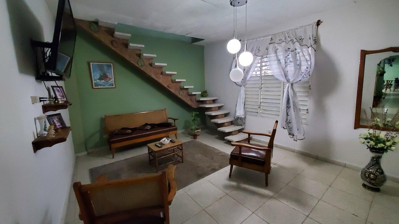 HEC1498: Casa de 4 cuartos, 3 baños y 1 garaje por $ 70.000 en Cienfuegos, Cienfuegos
