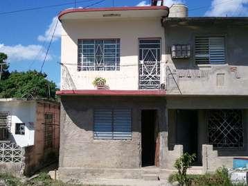 Casa en venta en Cienfuegos con  2 cuartos y 1 baño por $10,000