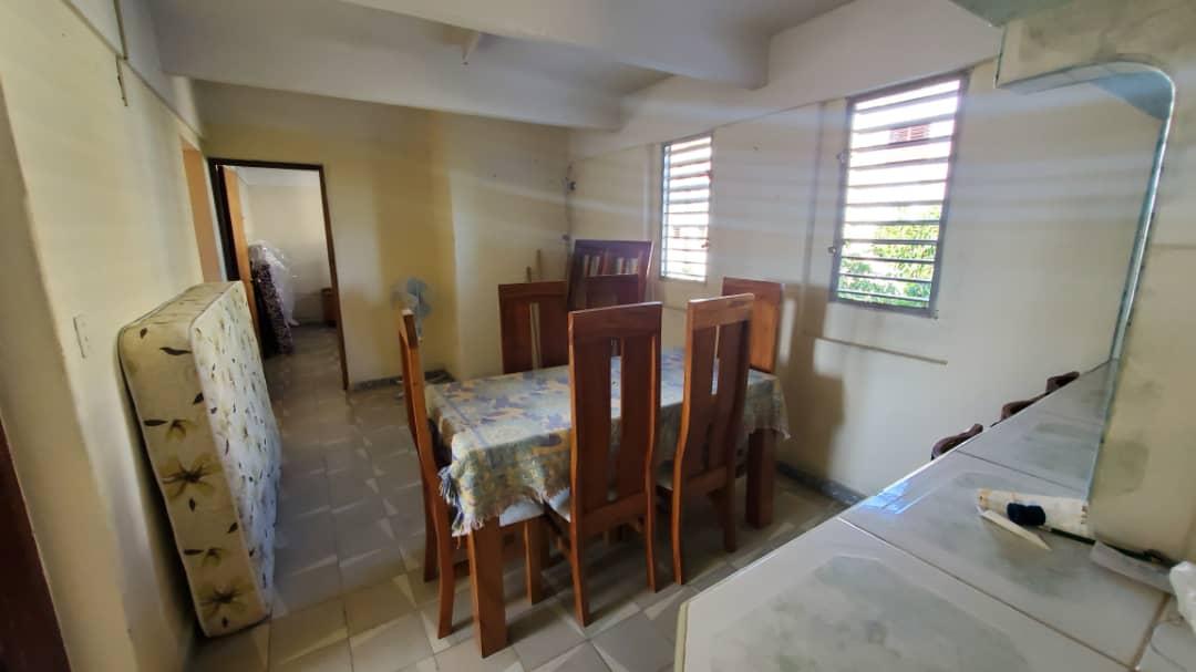 HEC1546: Apartamento de 3 cuartos y 1 baño por $ 10.000 en Cienfuegos, Cienfuegos