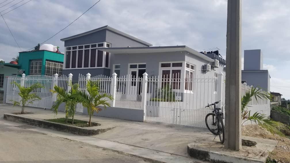 HEC1560: Casa de 7 cuartos, 7 baños y 1 garaje por $ 190.000 en Cienfuegos, Cienfuegos