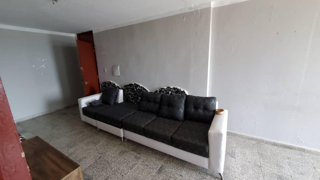 HEC1573: Apartamento de 2 cuartos y 1 baño por $ 11.000 en Cienfuegos, Cienfuegos