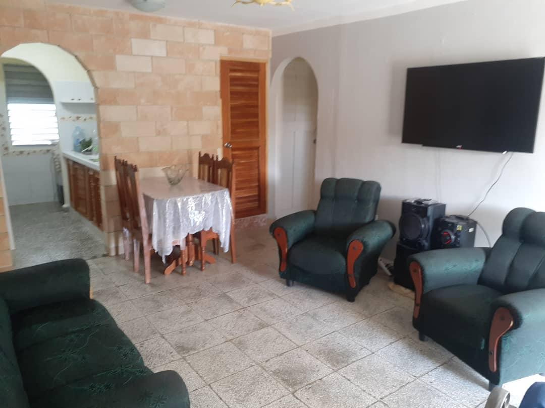 HEC1585: Apartamento de 3 cuartos, 1 baño y 1 garaje por $ 28.000 en Cienfuegos, Cienfuegos