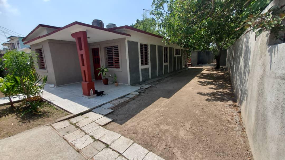 HEC1590: Casa de 3 cuartos, 1 baño y 1 garaje por $ 26.000 en Cienfuegos, Cienfuegos