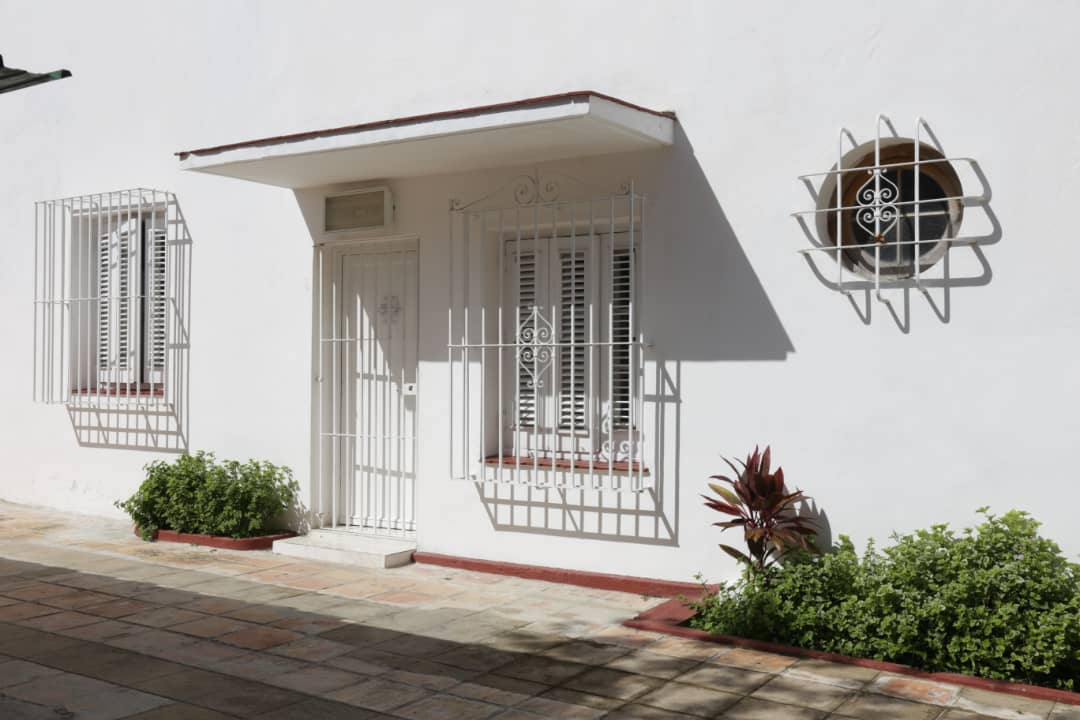 HEC1591: Casa de 5 cuartos, 5 baños y 1 garaje por $ 400.000 en Plaza de la Revolución, La Habana