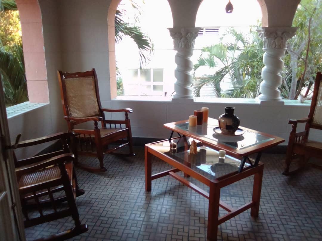 HEC1597: Casa de 4 cuartos y 4 baños por $ 280.000 en Playa, La Habana