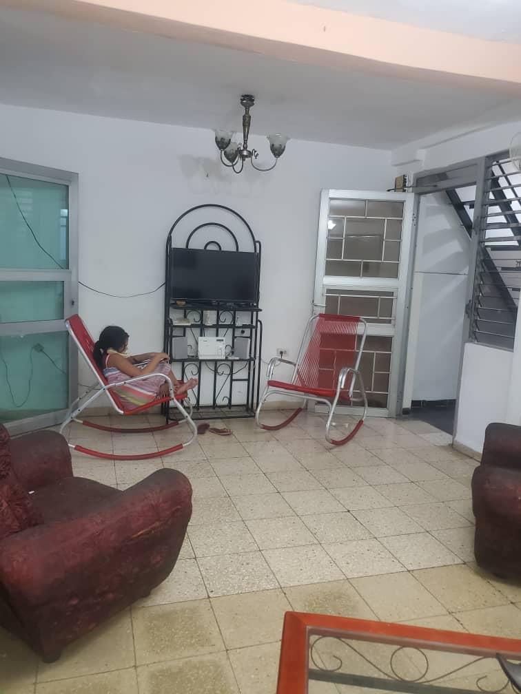 HEC1599: Casa de 3 cuartos y 2 baños por $ 50.000 en Cerro, La Habana