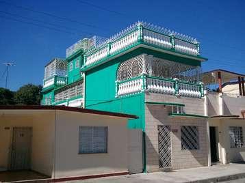 Casa en venta en Cienfuegos con  4 cuartos y 3 baños por $130,000