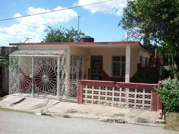 Casa en venta en Cienfuegos con  3 cuartos, 1 baño y 1 garaje por 19.000,00$