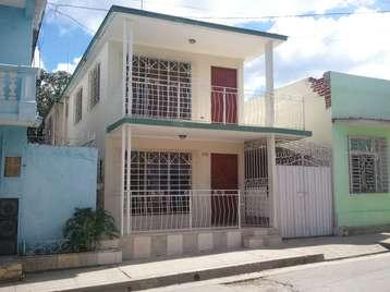Casa en venta en Cienfuegos con  3 cuartos, 2 baños y 1 garaje por 45.000,00$