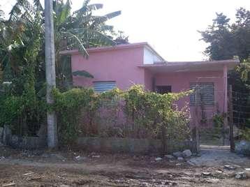 Casa en venta en Cienfuegos con  2 cuartos, 2 baños y 1 garaje por 16.000,00$