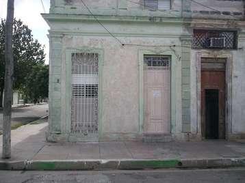 Casa en venta en Cienfuegos con  2 cuartos y 1 baño por 25.000,00$