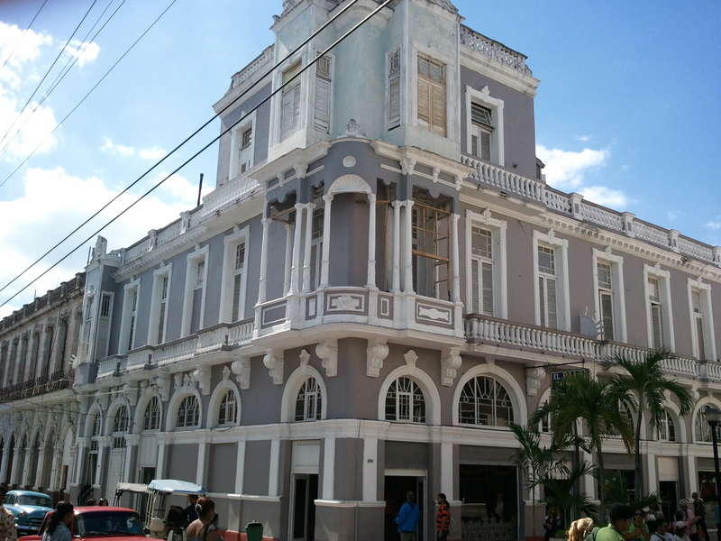 Casa en venta en Cienfuegos con  4 cuartos y 2 baños por $ 75.000