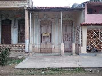 Casa en venta en Cienfuegos con  2 cuartos y 2 baños por $13,000