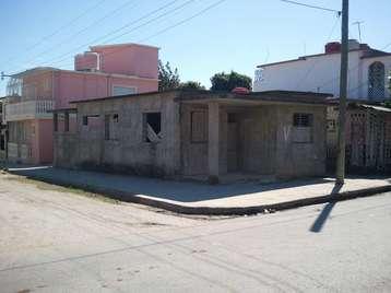 Casa en venta en Cienfuegos con  3 cuartos y 1 baño por 8.500,00$