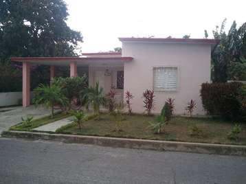 Casa en venta en Cienfuegos con  3 cuartos, 2 baños y 1 garaje por 120.000,00$