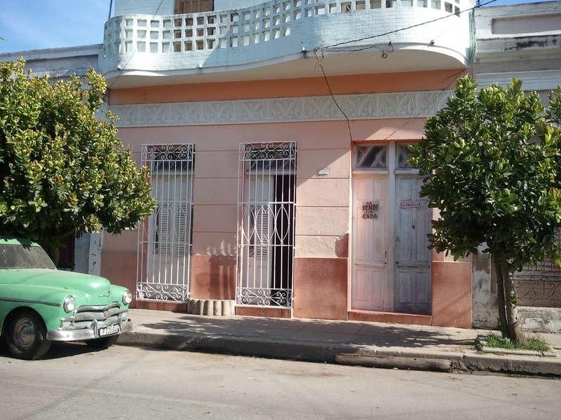 Casa en venta en Cienfuegos con  5 cuartos y 2 baños por $ 70.000