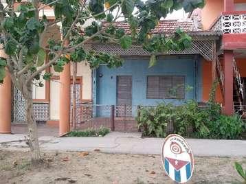 Casa en venta en Cienfuegos con  3 cuartos y 1 baño por 12.000,00$