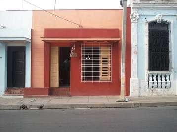 Casa en venta en Cienfuegos con  4 cuartos y 3 baños por $70,000