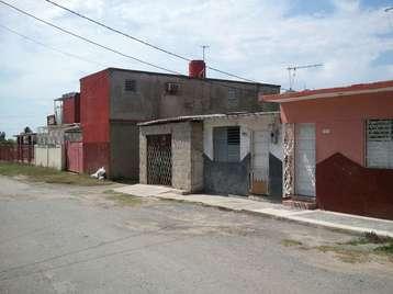 Casa en venta en Cienfuegos con  2 cuartos, 1 baño y 1 garaje por 20.000,00$