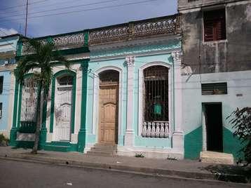 Casa en venta en Cienfuegos con  4 cuartos y 1 baño por $18,000