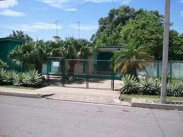 Casa en venta en Cienfuegos con  4 cuartos y 2 baños por $125,000