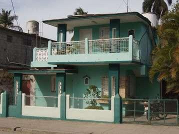 Casa en venta en Cienfuegos con  4 cuartos, 3 baños y 1 garage por $60,000