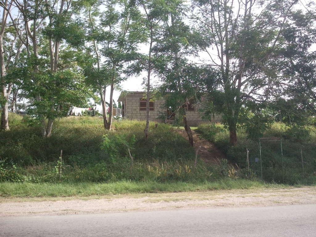 HEC429: Casa de 2 cuartos y 1 baño por $ 12.000 en Cienfuegos, Cienfuegos