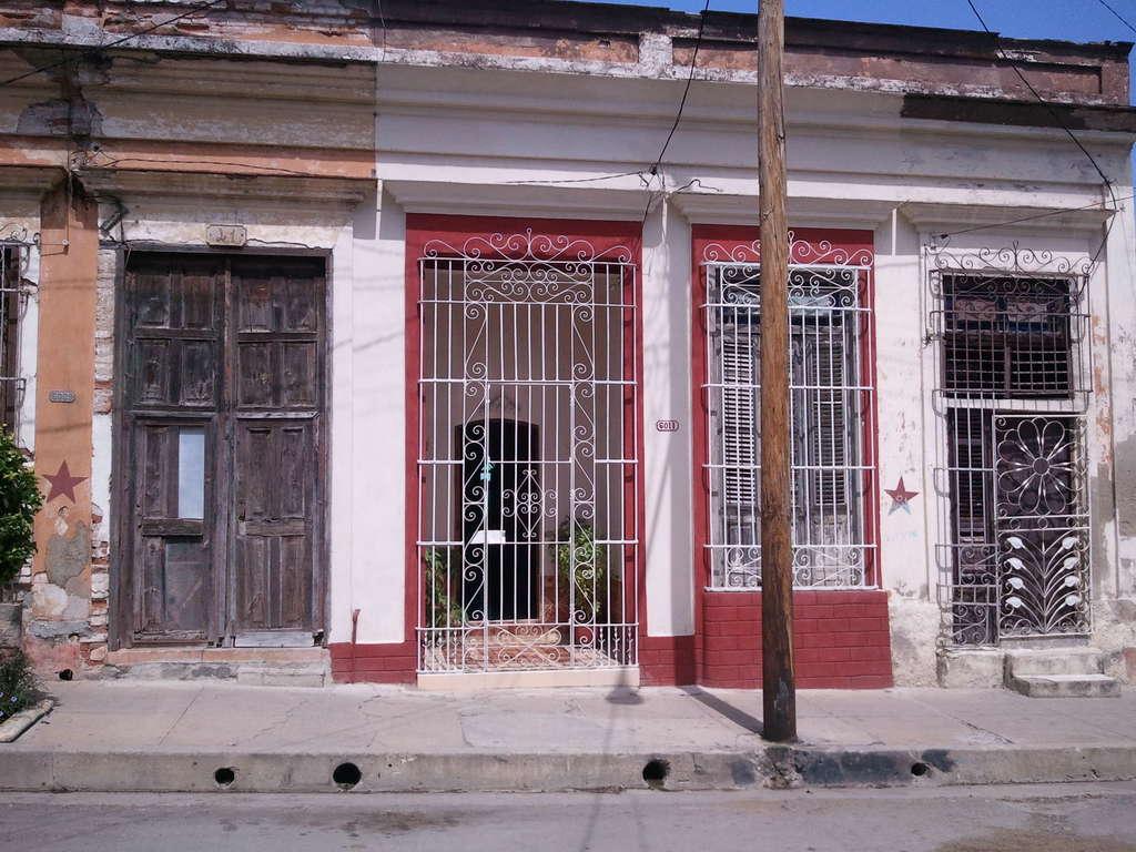 HEC436: Casa de 2 cuartos y 2 baños por $ 33.000 en Cienfuegos, Cienfuegos