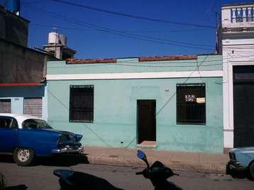 Casa en venta en Cienfuegos con  4 cuartos y 2 baños por 35.000,00$