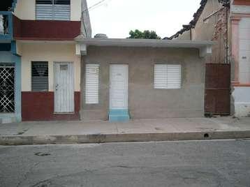 Casa en venta en Cienfuegos con  2 cuartos y 1 baño por 32.000,00$