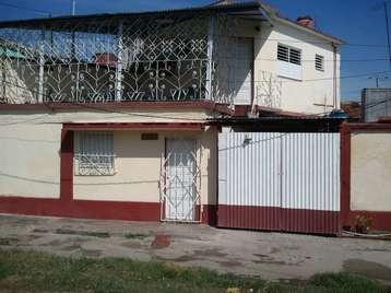 Casa en venta en Cienfuegos con  1 cuarto, 1 baño y 1 garaje por 15.000,00$