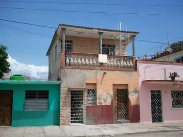 Casa en venta en Cienfuegos con  1 cuarto y 1 baño por 30.000,00$