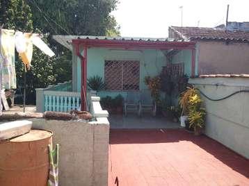 Casa en venta en Cienfuegos con  2 cuartos y 1 baño por 30.000,00$