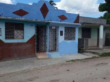 Casa en venta en Cienfuegos con  2 cuartos y 1 baño por 5.500,00$