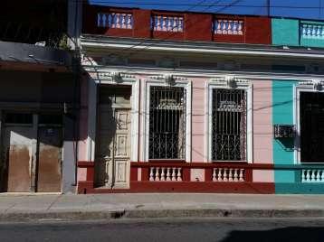 Casa en venta en Cienfuegos con  4 cuartos y 2 baños por 45.000,00$