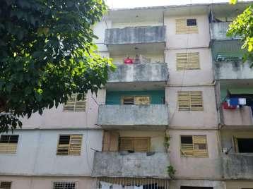 Apartamento en venta en Cienfuegos con  3 cuartos y 1 baño por 6.000,00$