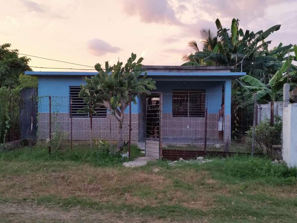 HEC502: Casa de 2 cuartos y 1 baño por $ 20.000 en Cienfuegos, Cienfuegos