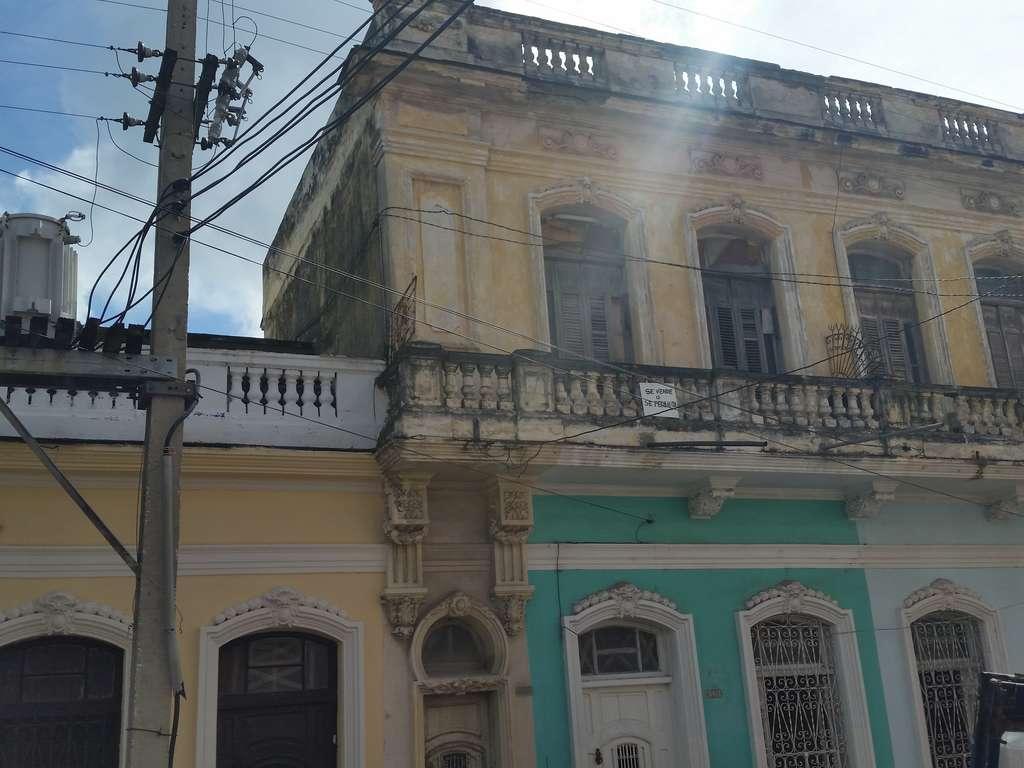 Casa en venta en Cienfuegos con  6 cuartos y 3 baños por $ 50.000